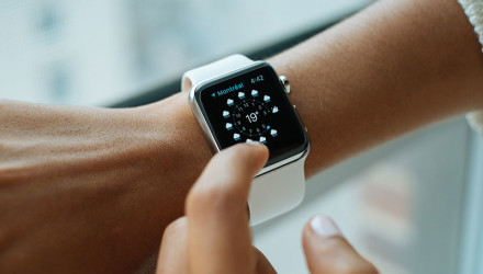 Apple-and-Samsung-ranked-better-than-Rolex-and-Omega-in-a-wearables-survey