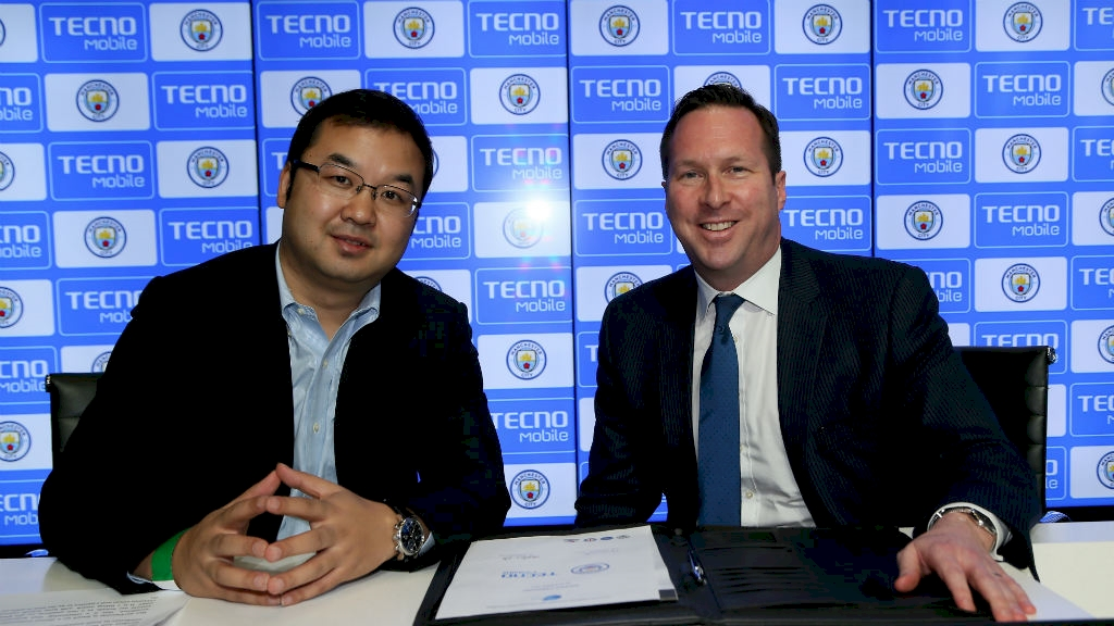 tecno-announcement-holding